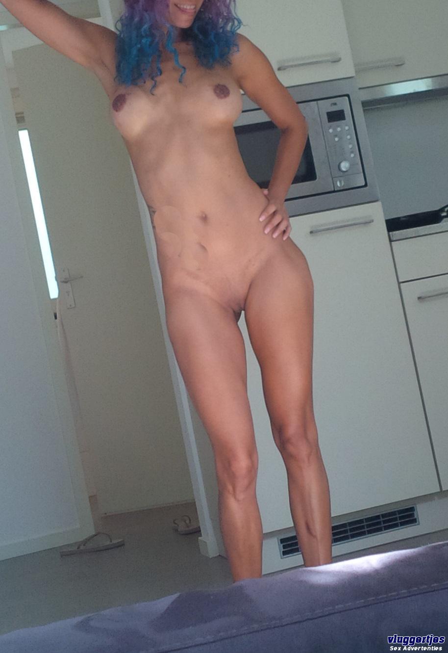 Wendy (46)